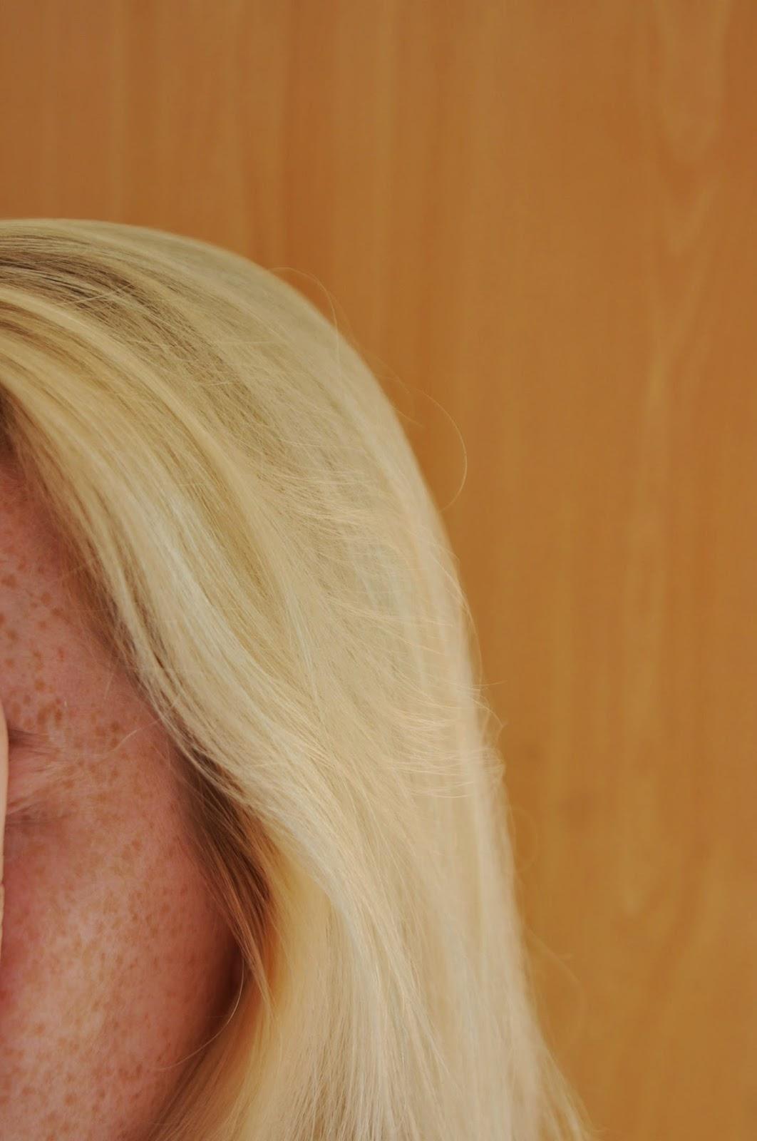 Die Masken für das Haar mit der Zwiebel für den Haarwuchs