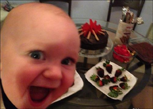 طفل فرحان