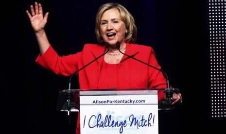 Hillary Clinton Apresiasi Putusan AS Legalkan LGBT