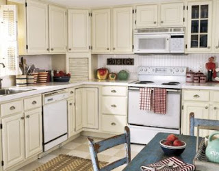 White Kitchen Cabinets Pic