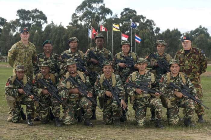 http://asalasah.blogspot.com/2015/09/militer-indonesia-paling-kuat-di-asean.html