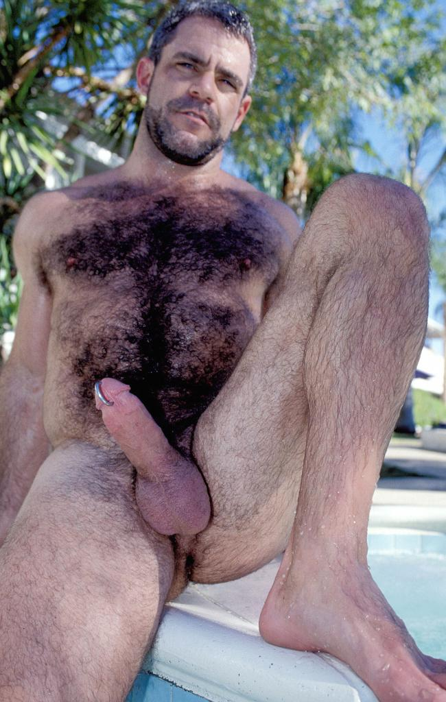 Сиськи волосатого мужика