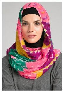 Trend Hijab Modern Terpopuler Terbaru Untuk Kuliah 2015