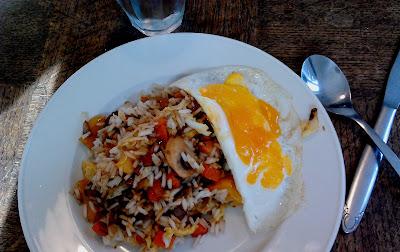 Nasi met gebakken ei