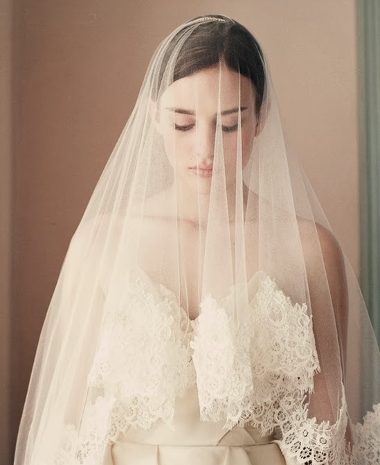 CooLingerie: The Perfect Bridal Veil for Your Wedding Gown
