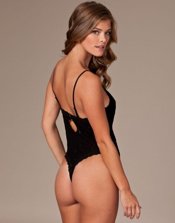 Nina Agdal nude in bikini