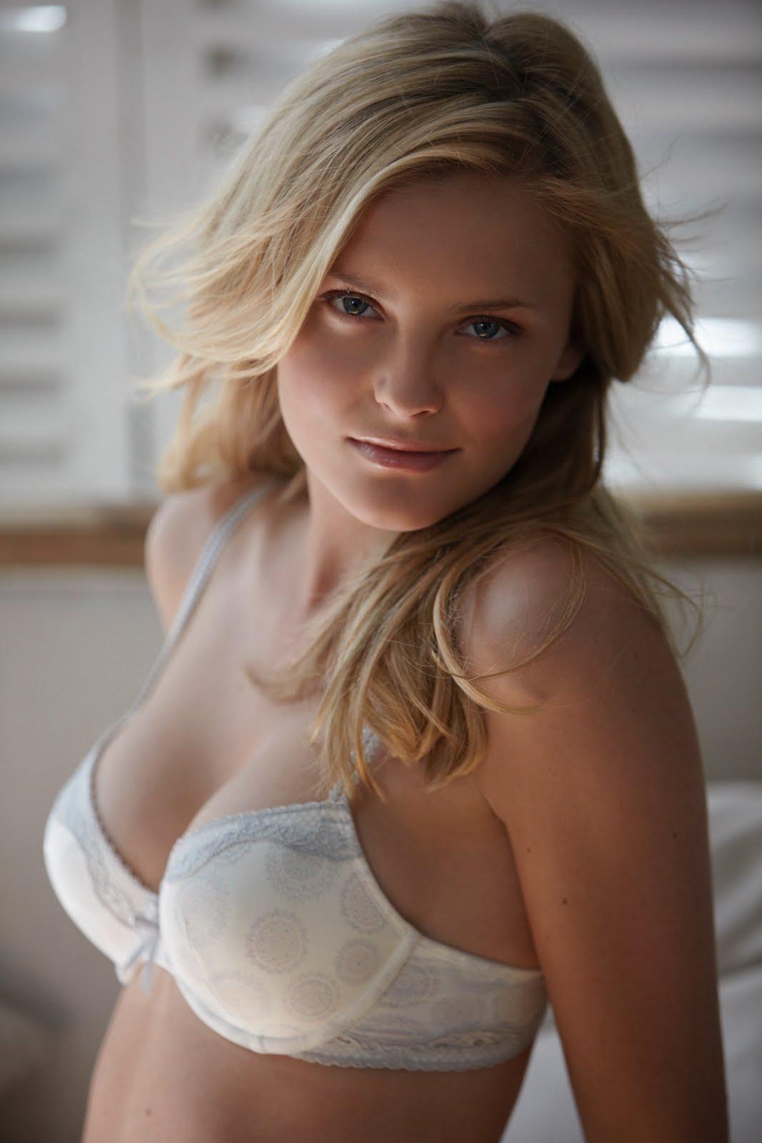 http://3.bp.blogspot.com/-xttB9L-hvEs/TmumI0hq9vI/AAAAAAAABVU/rIYFwp_qX_A/s1600/Petra_Silander_8.jpg