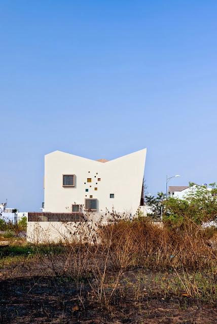5538570fe58ece9fb60000ef_2h-house-truong-an-architecture-23o5studio_2h-06