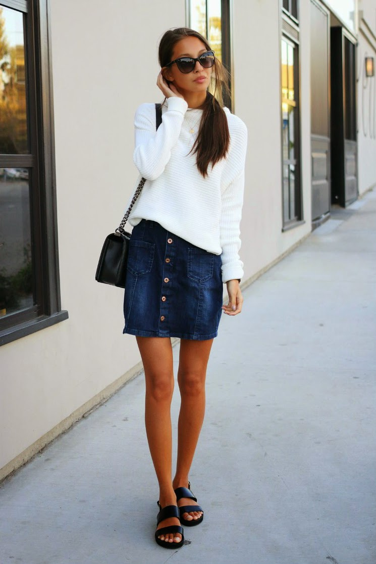 Front buttoned denim skirt Street style