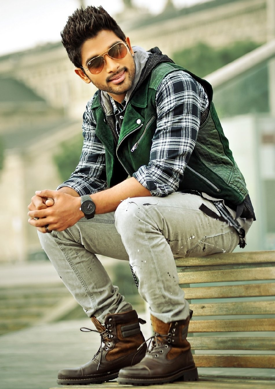 Allu Arjun Starrer Iddarammayilatho New Stills. Puri Jaganadh is The ...