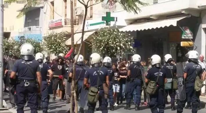 Eξέγερση των αγανακτισμένων πολιτών: Άγριο ξύλο για τους μετανάστες στο Ρέθυμνο  (βίντεο)