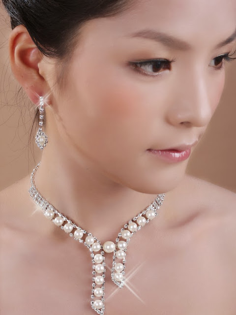 Pearl accessories, bridal