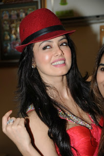 Sana Khan looks Stunning in Red Gown and Cute Red Hat at her Birthday Party