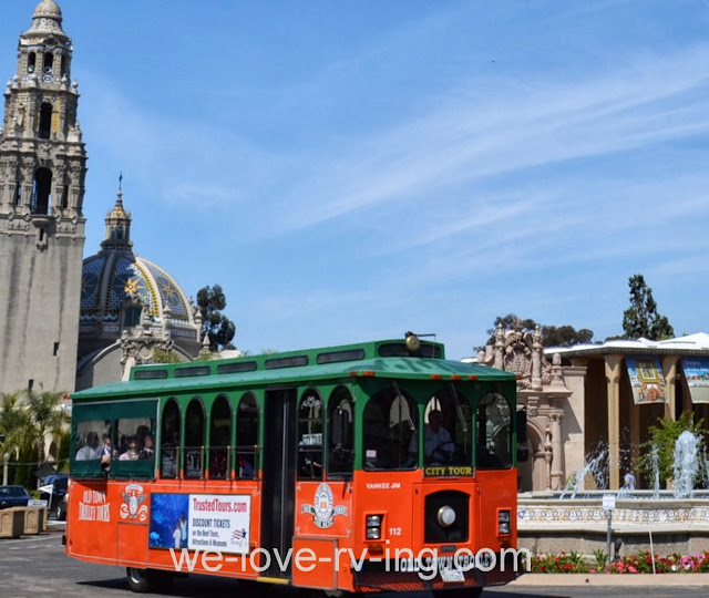The tram circles the Balboa Park Plaza