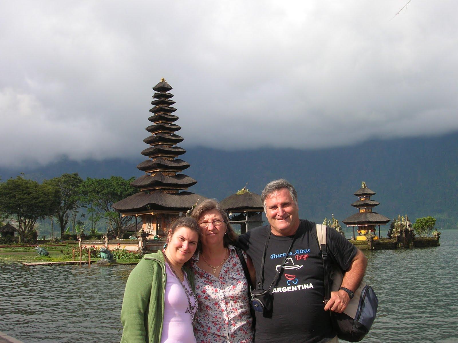 Templo Ulun Danu Beratan, Isla de Bali,Indonesia, vuelta al mundo, round the world, La vuelta al mundo de Asun y Ricardo
