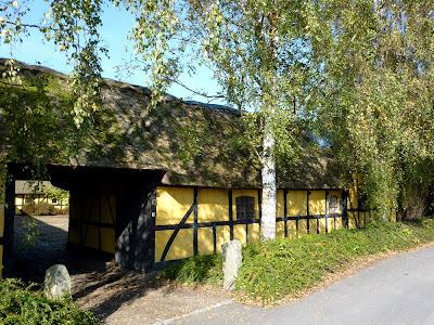 Horse barn plans living quarters 8x10x12x14x16x18x20x22x24 for Horse stable plans with living quarters