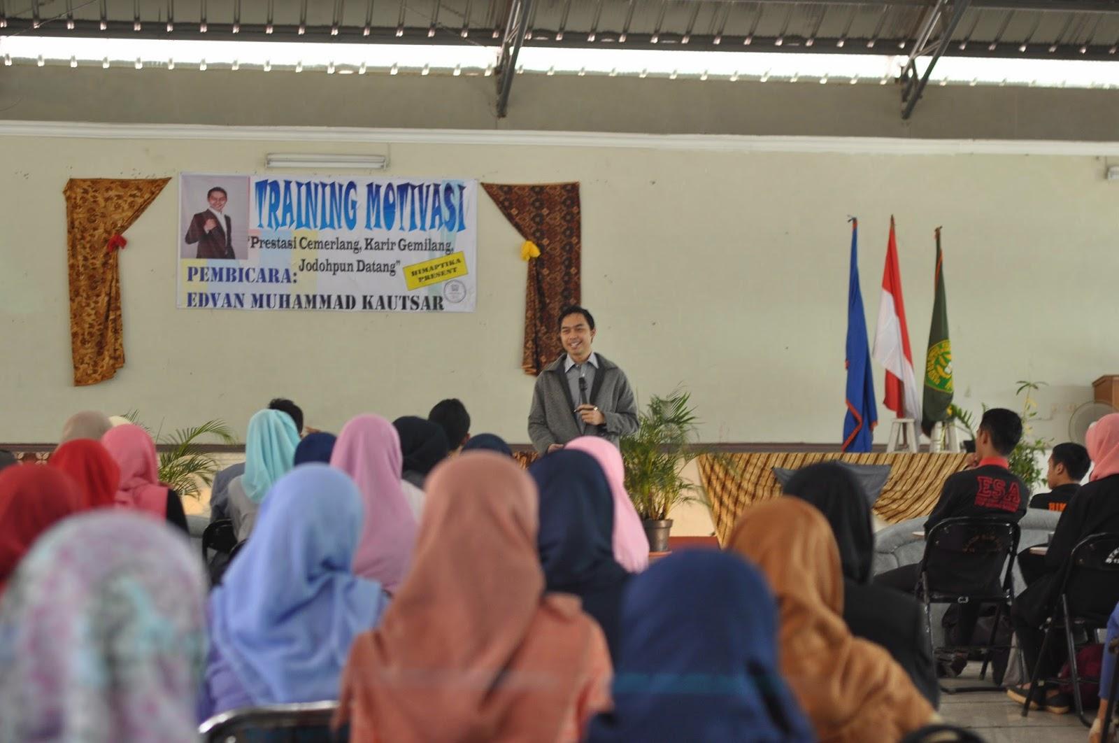 motivator muda, pembicara seminar, motivator indonesia, motivator terbaik, penulis buku, seminar motivasi, training motivasi, pembicara muda, pengusaha muda, sukses muda, edvan m kautsar
