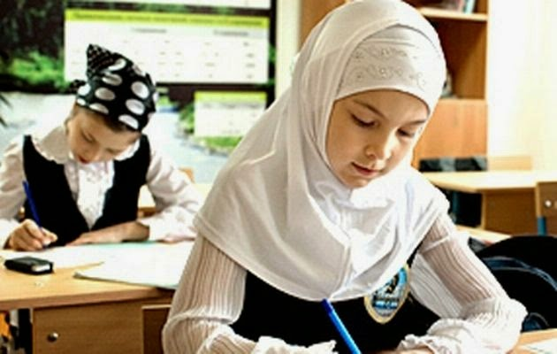 Arabic-Hijab-Styles-2015-for-School-Girls