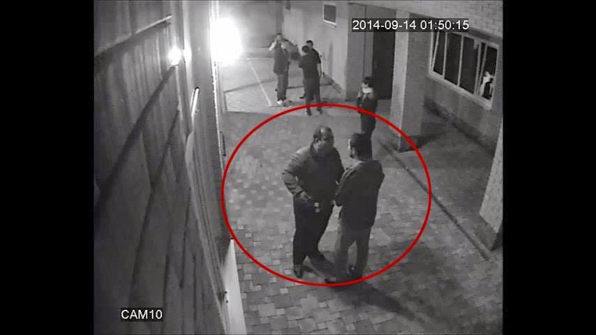 10 رجال تحرشوا بزوجة ملاكم روسي....شاهد ماذا فعل معهم