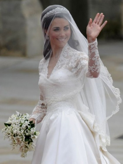 She Arrived With A Blusher On And Her Father Threw It Back During The First Hymn To Give Us Clear View Of Dress Bodice
