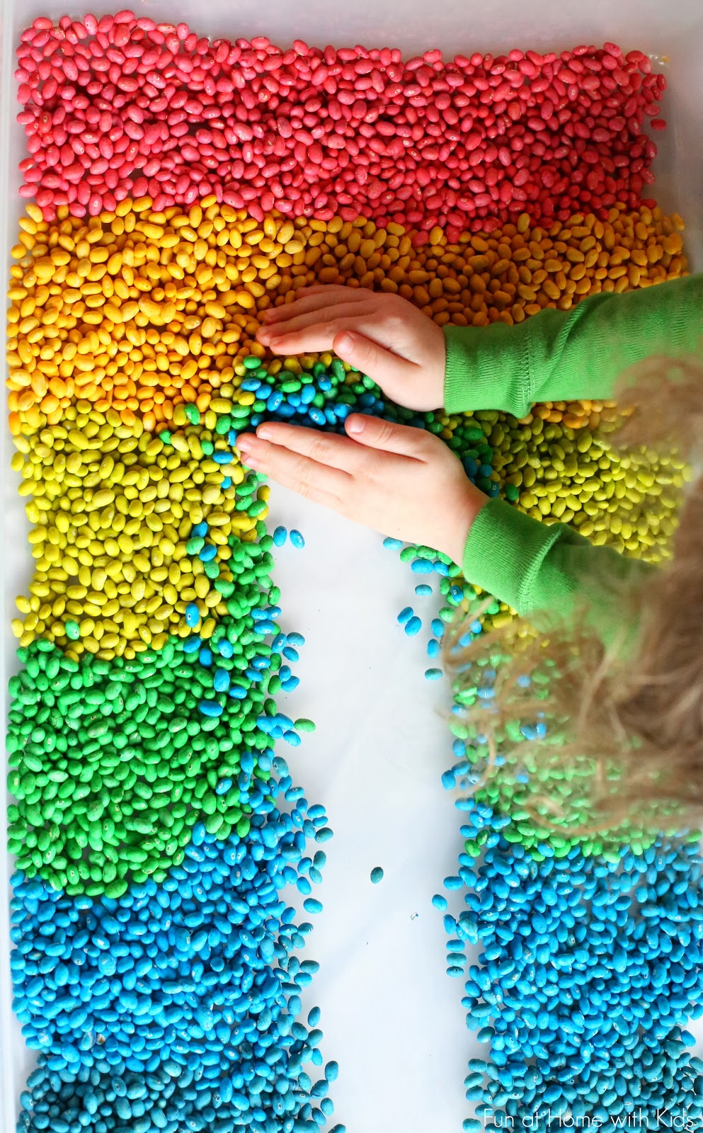 How to color beans for play and art for Fun projects for kids to do at home