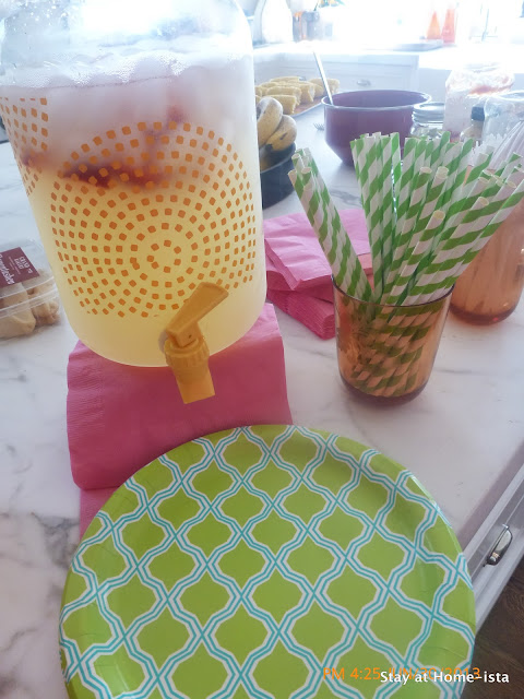 berry Lemonade, target paper plates and paper straws make an afternoon bbq into a party!