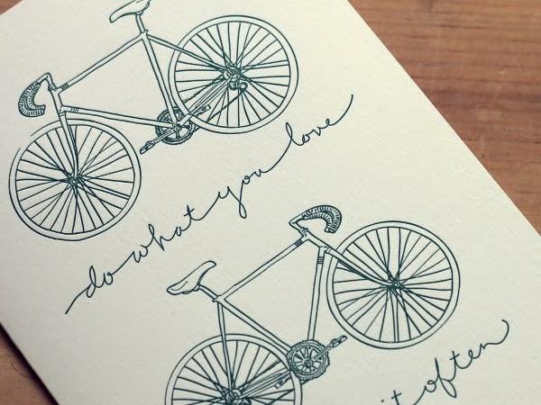 Ciclofaixa é opção para ciclistas que visitam o Açude Velho aos domingos, em Campina Grande