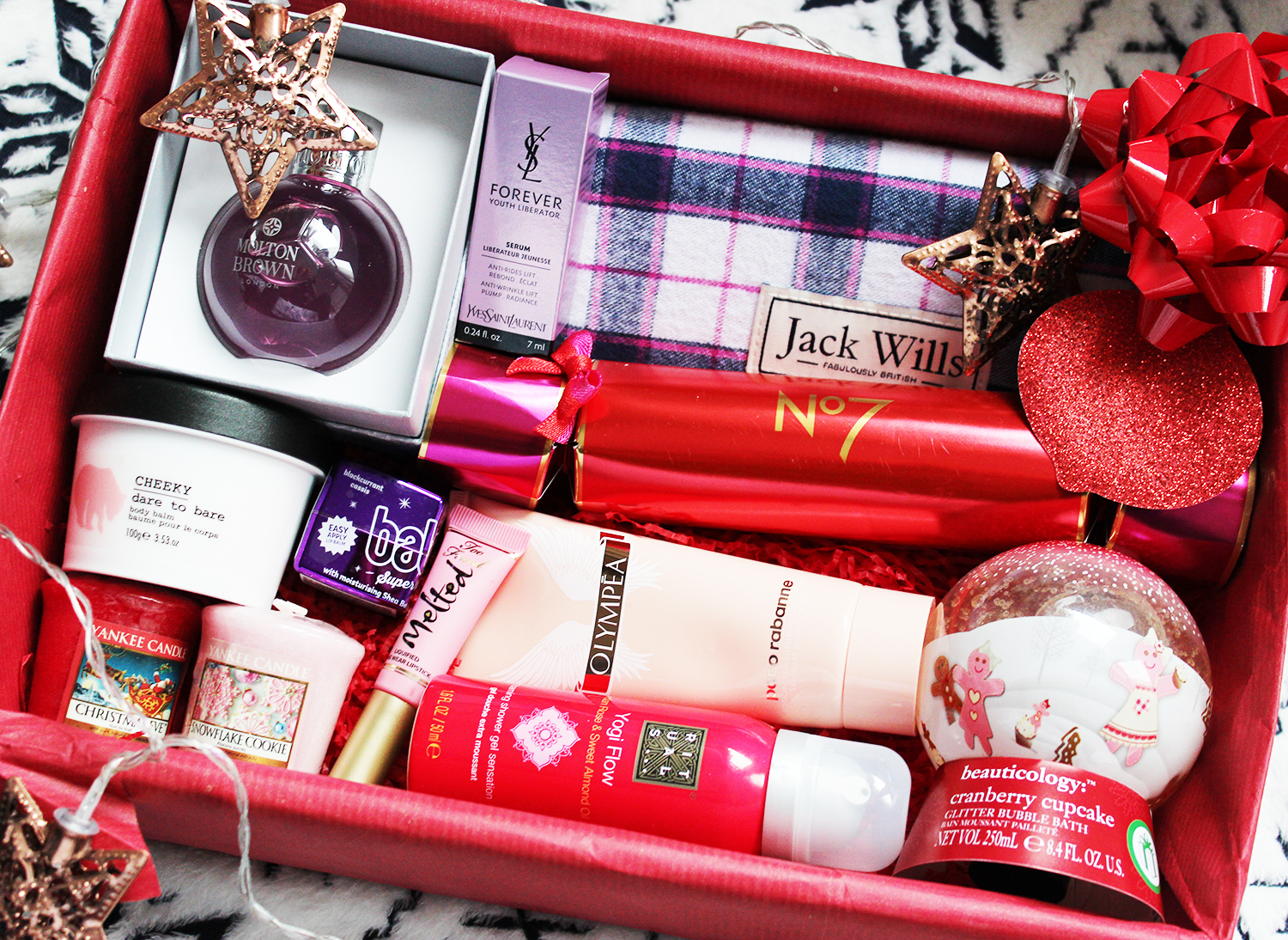 Christmas beauty hamper giveaway