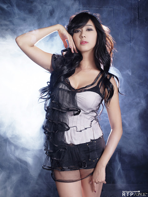 3 Stunning Kim Ha Yul-very cute asian girl-girlcute4u.blogspot.com