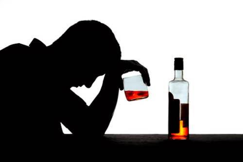 A morte por alcolismo