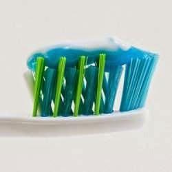 Qual é a melhor forma de escovar os dentes? Os dentistas não se entendem