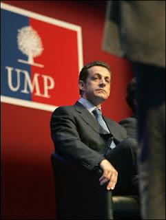 Sarkozy_TroneUMP2.jpg