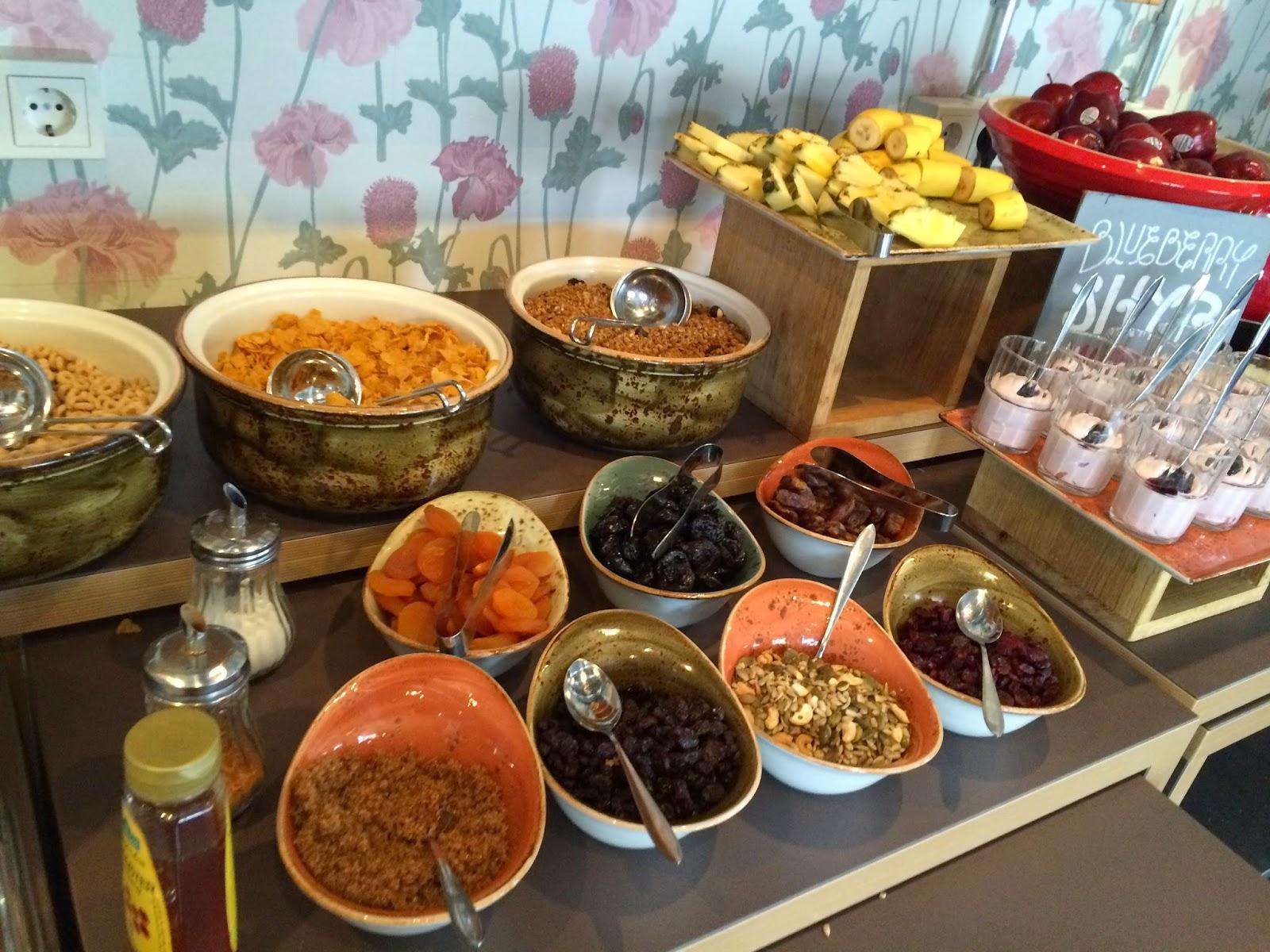 ICELANDAIR HOTEL REYKJAVIK MARINA breakfast
