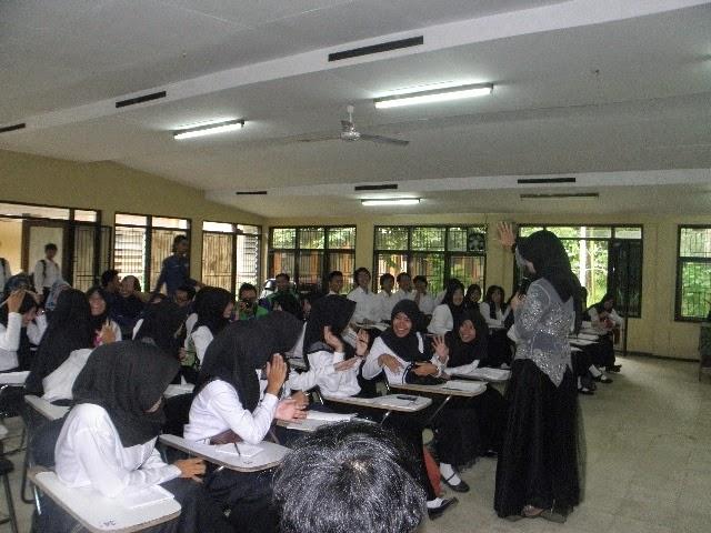 Lucy Dian Rosalin - Public Speaking bersama HIMAGRI 2015 UNSIL