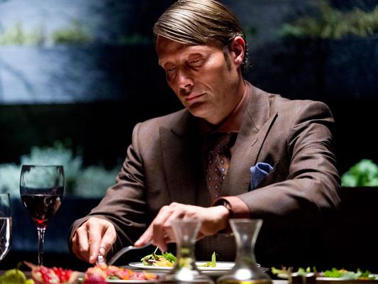 Hannibal Lecter a la mesa. SerieTV