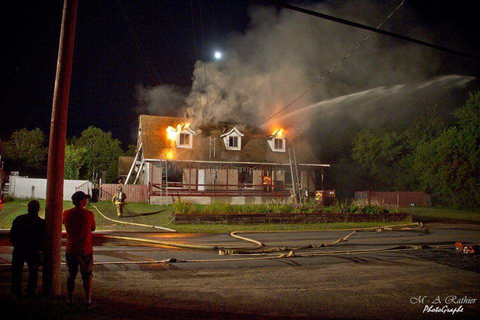 Incendie dans une maison uni familiale for Alarme incendie obligatoire maison