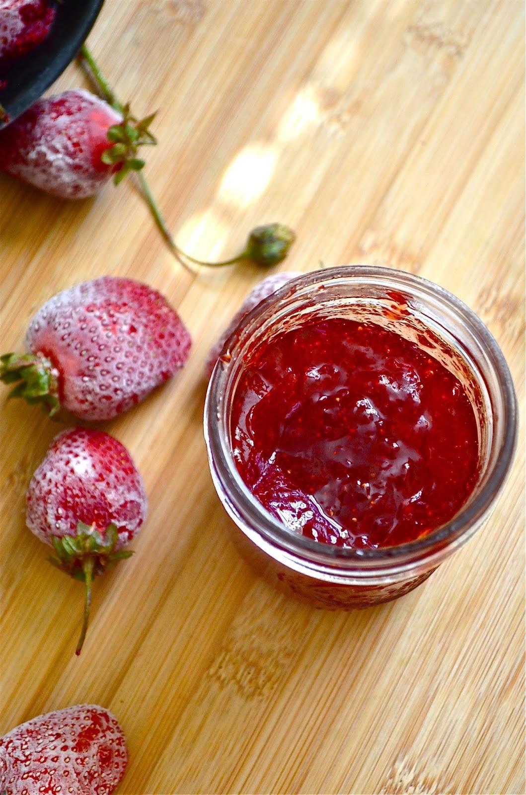 Dishing With Divya: Strawberry Jam Recipe | Homemade ...