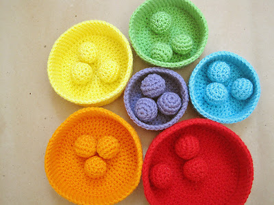 free crochet pattern rainbow nesting bowl