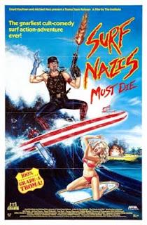 Portada película Los surfistas nazis deben morir troma fotogramailustrado nazi surf soldado metralleta rubia en la playa blond girl screaming nazi soldier beach