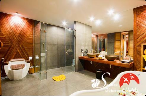 Tango Luxe Beach Villa Bathroom
