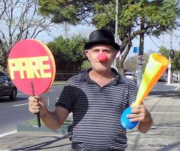 É Alguém neste País precisa levar a sério: A Nossa Pátria Amada Brasil...
