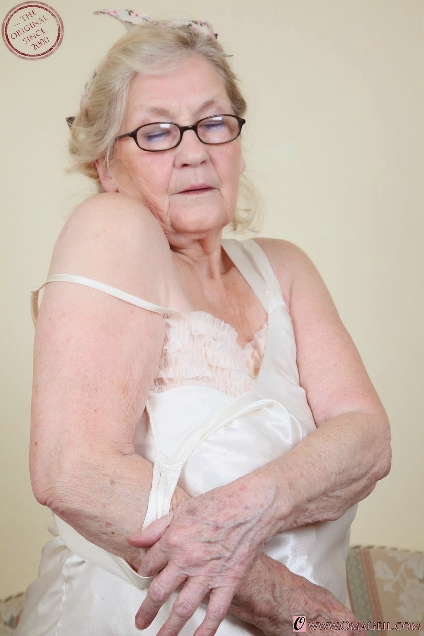 Omageil grannyloverboard very old oma, breasts in camisols pics