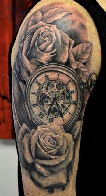 Tatuaje reloj y rosas