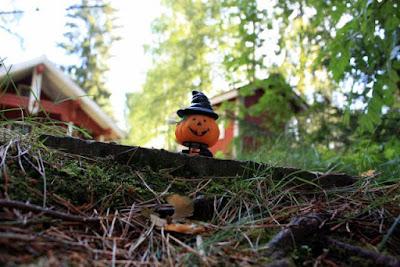 halloween maskotti