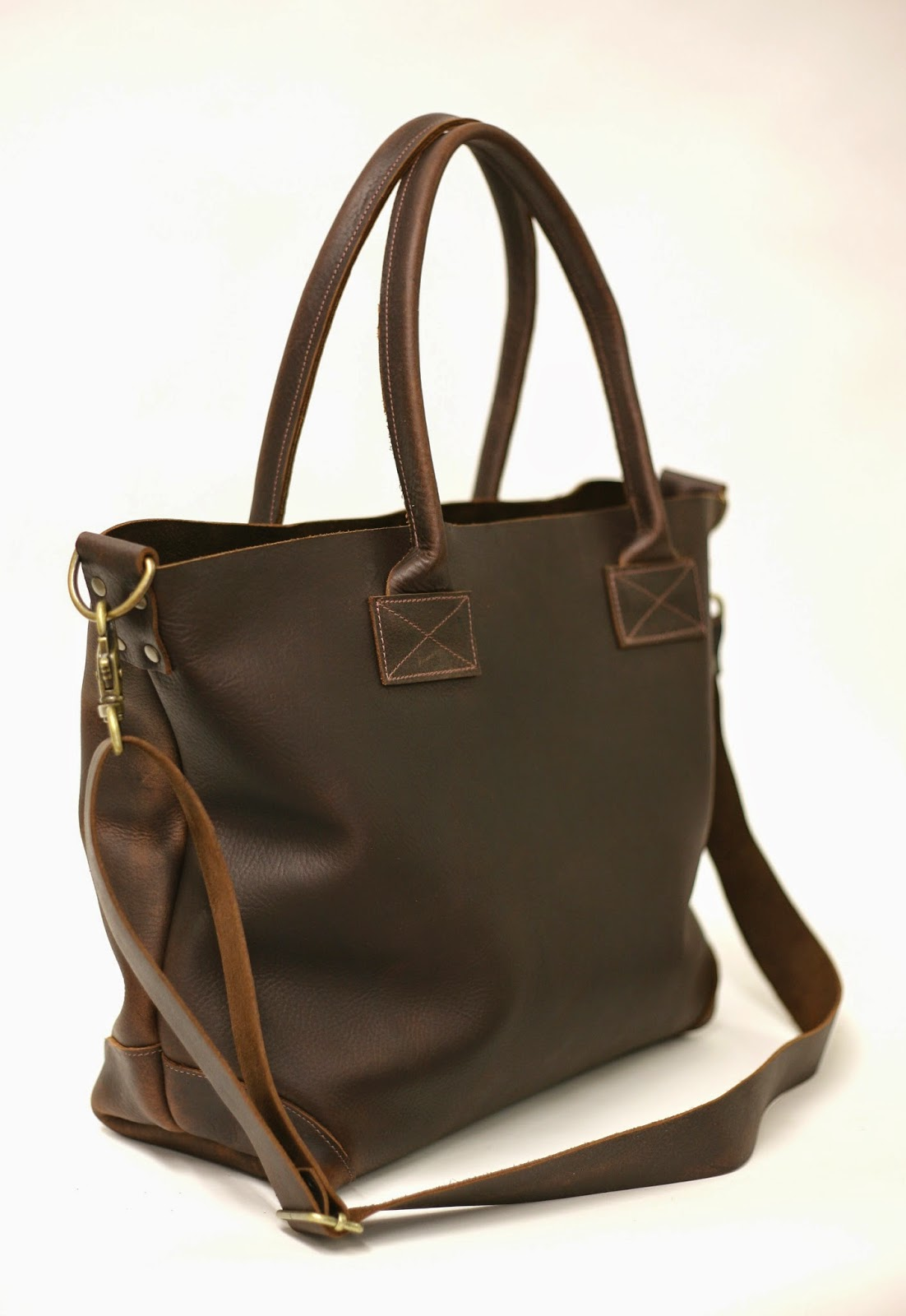 http://www.forestbound.com/collections/leather-bags/products/ashcroft-leather-carryall-1