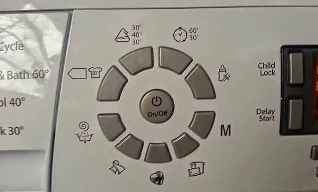 Hotpoint HULT 943 Washing Machine review programme buttons wash load options
