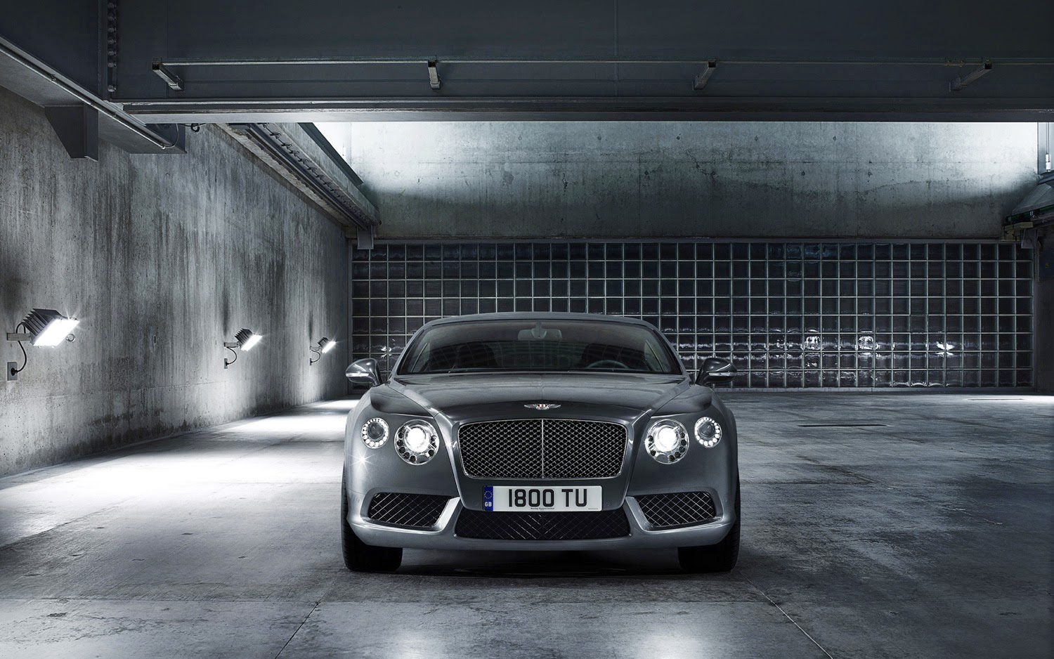 Cars of my dreams bentley continental gt the portuguese gentleman the continental gt profile is as characteristic as in the beginning and imposing and classic matrix radiator grille keeps having the same charm and vanachro Image collections