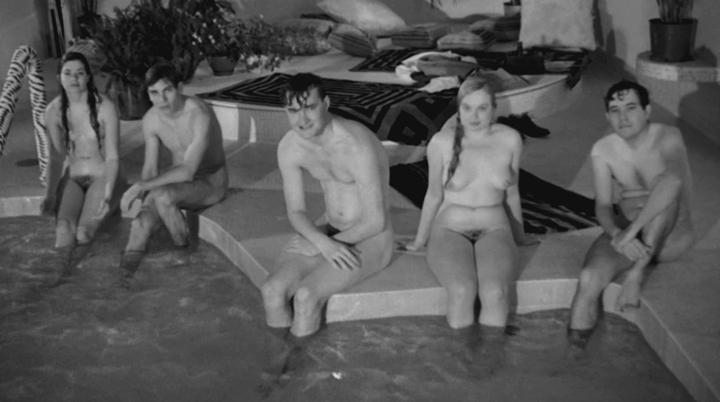 Nude picture leachman cloris last show