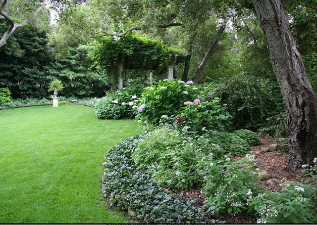 Jll design summer time gardens for Southern living landscape design