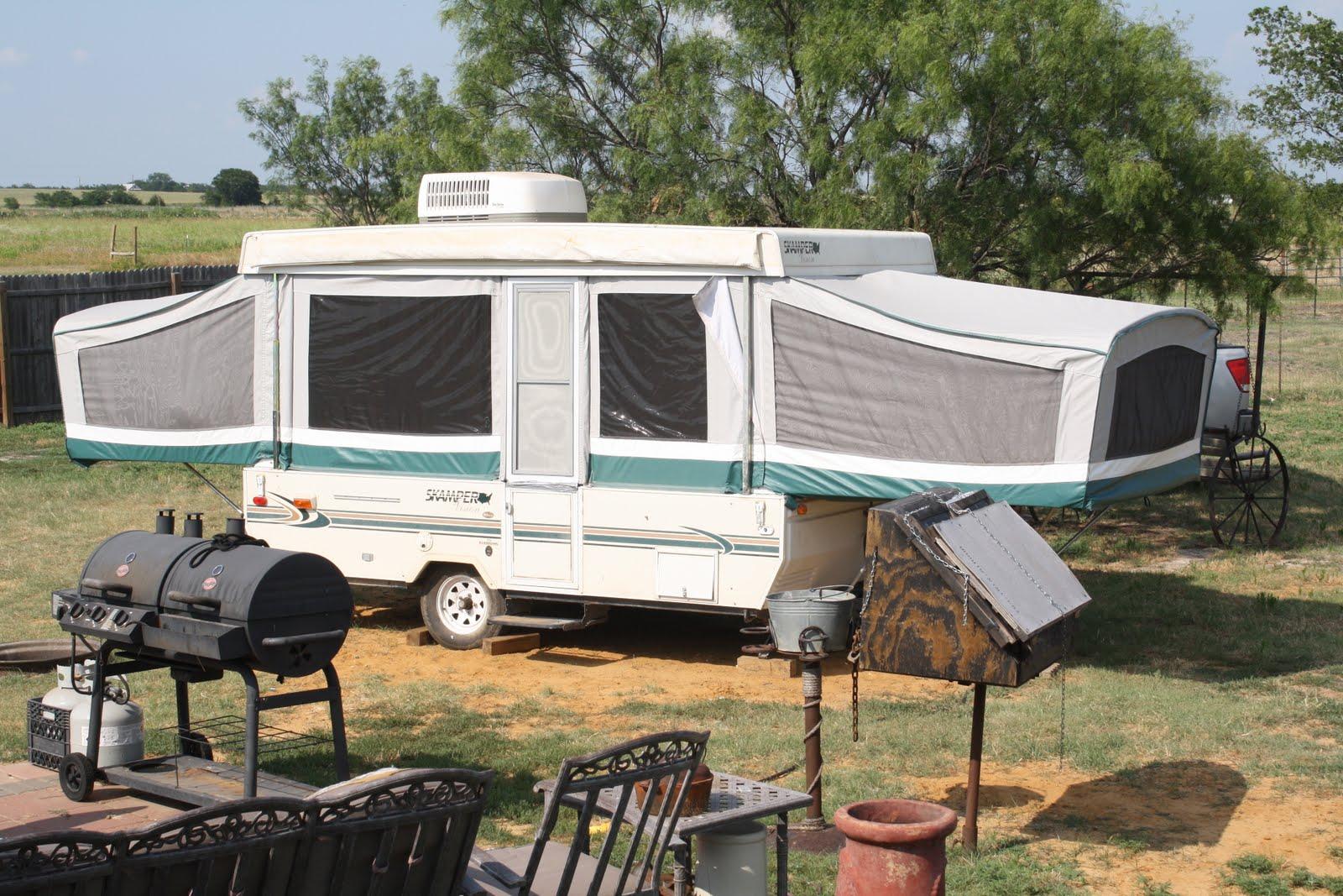 Decorating a small camper joy studio design gallery for Pop up camper interior designs
